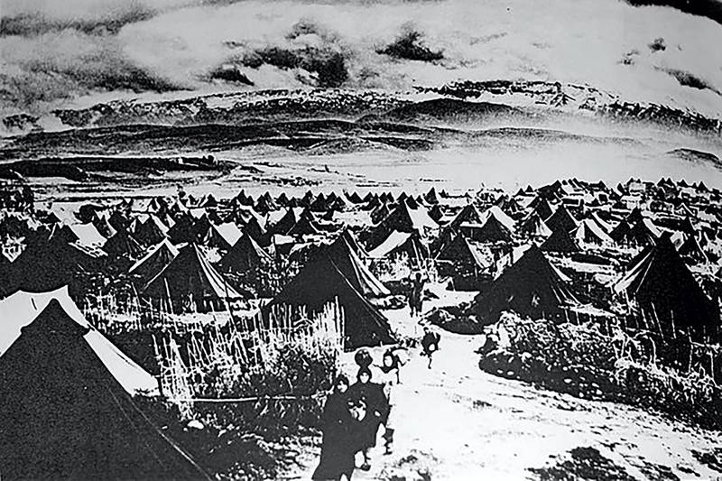 EC84E2 Photograph of a Palestinian Refugee Camp. Dated 1949. Image shot 1949. Exact date unknown.
