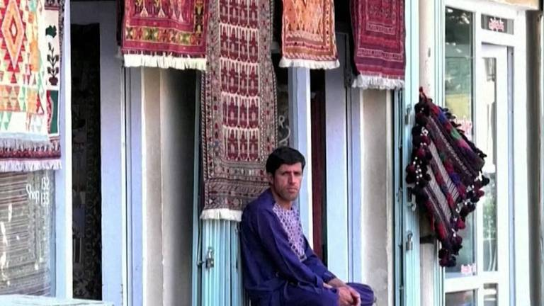 An image that illustrates this article Afghan rug industry struggling with air freight closure