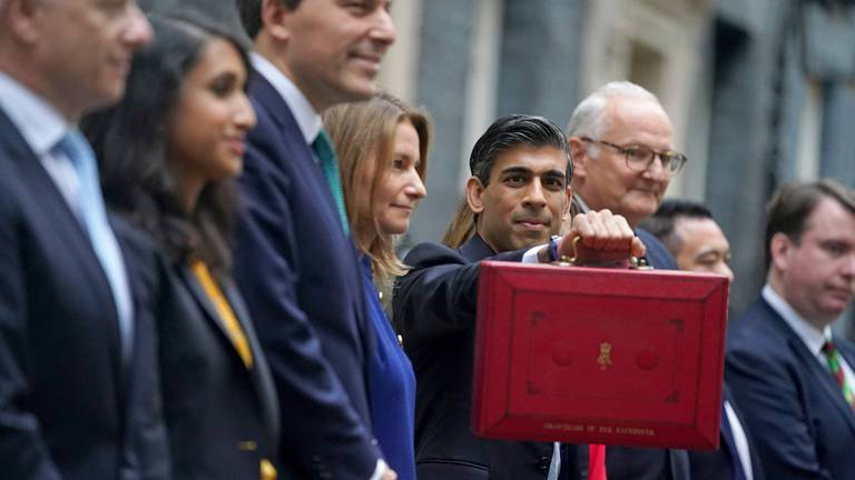 An image that illustrates this article Rishi Sunak's autumn budget 'could hamper'  Britain's post-Covid recovery