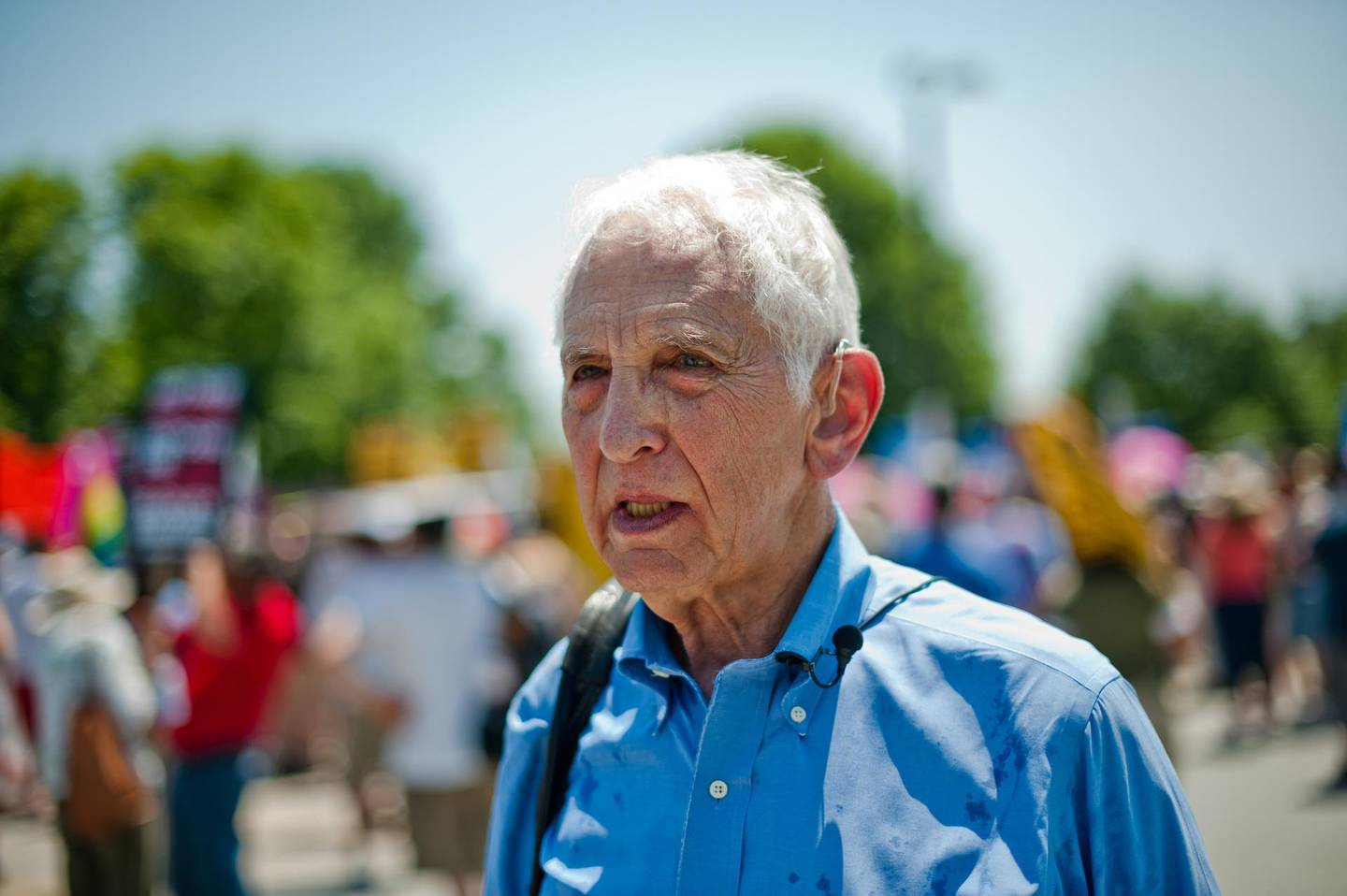 Pentagon Papers whistleblower Daniel Ellsberg attends on June 1, 2013 a demonstration in support of Wikileaks whistleblower US Army Private Bradley Manning at Fort Meade in Maryland, where Manning's court martial will begin on June 3. Some testimony in the espionage trial of a US soldier who passed secret files to WikiLeaks will be held behind closed doors to safeguard classified information, a US judge ruled last month. The decision by Colonel Denise Lind, the military judge presiding over the case, is sure to spark renewed criticism from civil liberties groups who say the Manning case has been shrouded in excessive secrecy.    AFP PHOTO/Nicholas KAMM / AFP PHOTO / NICHOLAS KAMM