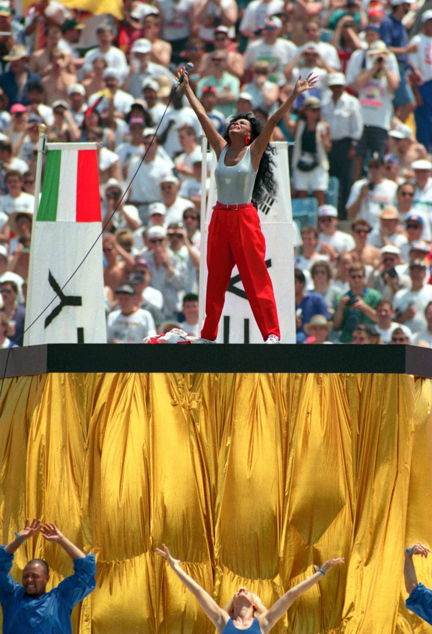 17 JUN 1994:  MUSICAL ENTERTAINER DIANA ROSS SINGS DURING THE OPENING CEREMONY FOR THE 1994 WORLD CUP AT SOLDIER FIELD IN CHICAGO, ILLINOIS. Mandatory Credit: Jonathan Daniel/ALLSPORT