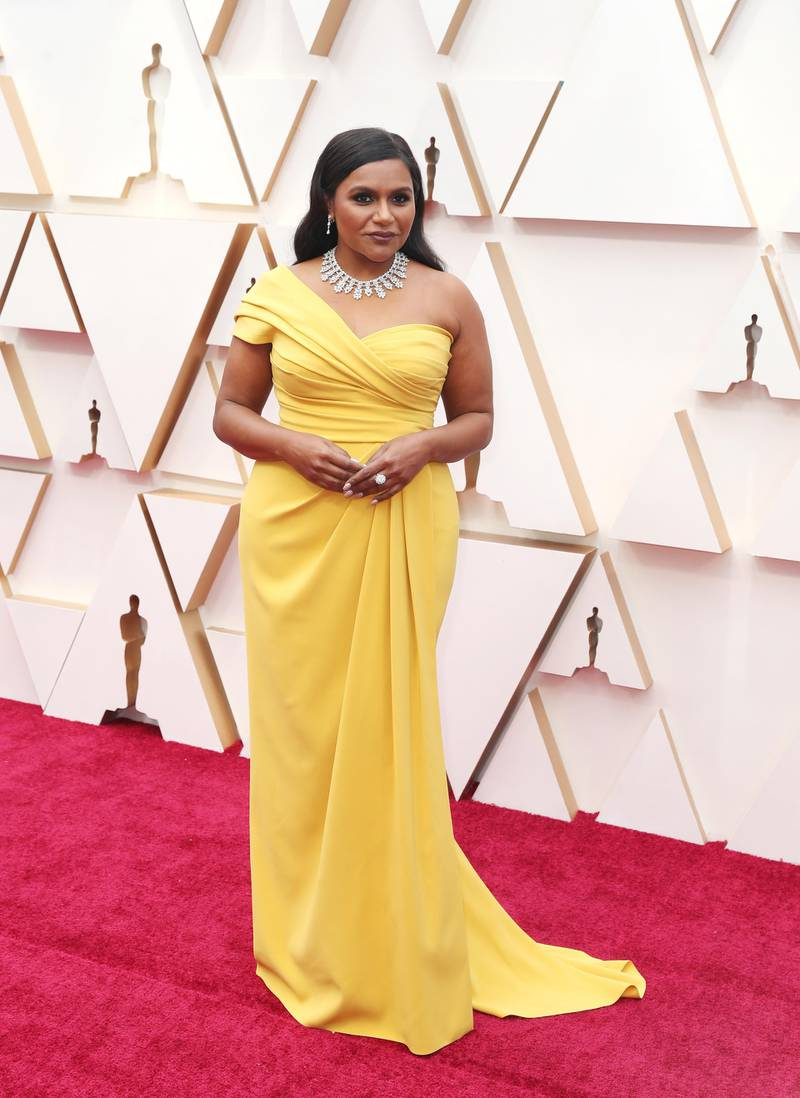 epa08206968 Mindy Kaling arrives for the 92nd annual Academy Awards ceremony at the Dolby Theatre in Hollywood, California, USA, 09 February 2020. The Oscars are presented for outstanding individual or collective efforts in filmmaking in 24 categories.  EPA-EFE/DAVID SWANSON
