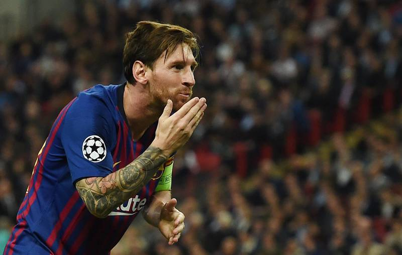 epa07067655 Barcelona's Lionel Messi celebrates after scoring his team's third goal during the UEFA Champions League group B soccer match between Tottenham Hotspur and FC Barcelona, London, Britain, 03 October 2018.  EPA/ANDY RAIN