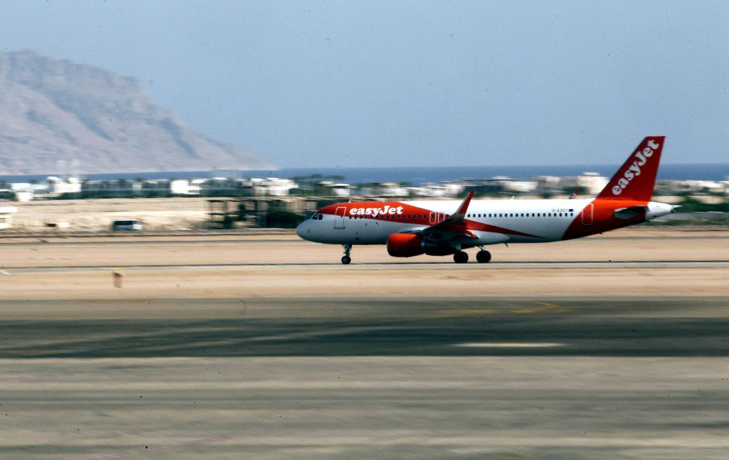 epa07940215 (FILE) - A British EasyJet plane takes off from Sharm el-Sheikh airport, Sharm el-Sheikh, Egypt, 06 November 2015 (reissued 22 October 2019). According to media reports on 22 October 2019, the UK ended a ban on flights to Sharm el-Sheikh in Egypt after nearly a four-year ban since November 2015 following bombing of a Russian jet.  EPA/KHALED ELFIQI *** Local Caption *** 52358448