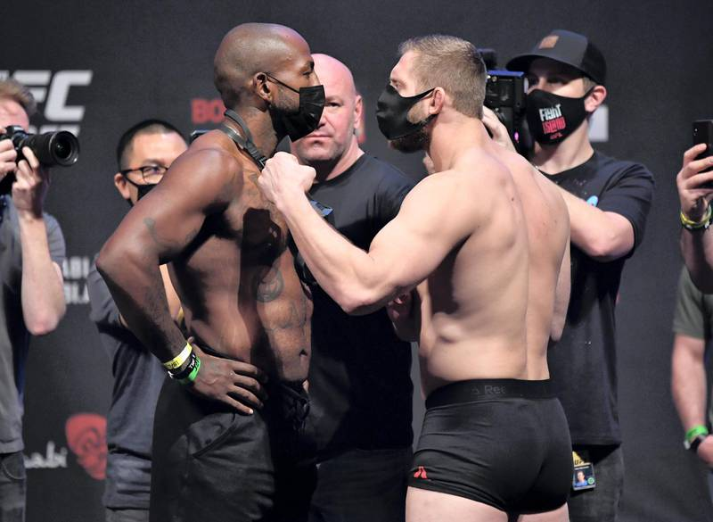 ABU DHABI, UNITED ARAB EMIRATES - JANUARY 22: (L-R) Opponents Khalil Rountree and Marcin Prachnio of Poland face off during the UFC 257 weigh-in at Etihad Arena on UFC Fight Island on January 22, 2021 in Abu Dhabi, United Arab Emirates. (Photo by Jeff Bottari/Zuffa LLC) *** Local Caption *** ABU DHABI, UNITED ARAB EMIRATES - JANUARY 22: (L-R) Opponents Khalil Rountree and Marcin Prachnio of Poland face off during the UFC 257 weigh-in at Etihad Arena on UFC Fight Island on January 22, 2021 in Abu Dhabi, United Arab Emirates. (Photo by Jeff Bottari/Zuffa LLC)