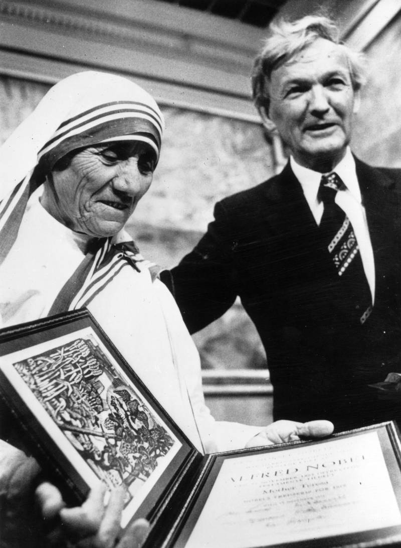 OSLO - December 11, 1979:  Mother Teresa (1910 - 1997) receiving the Nobel Peace Prize on December 11, 1979 in Oslo, Norway.  (Photo by Keystone/Getty Images)
