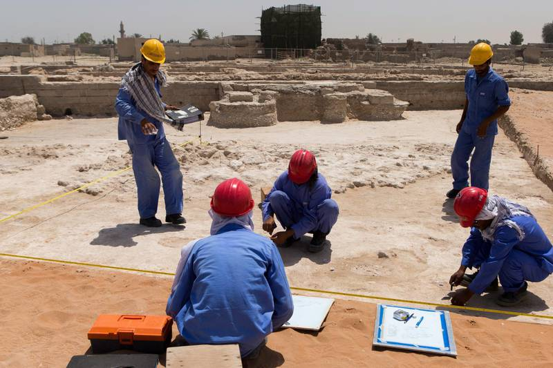 Ras al Khamiah, United Arab Emirates, April 25, 2017:    Workers at the mosque excavation site at the Jazirat Al Hamra heritage village and archaeological site in Ras al Khamiah on April 25, 2017. The site is the only and best preserved traditional coastal town in the Gulf region. Christopher Pike / The National  Job ID: 27017 Reporter: Ruba Haza Section: News Keywords:  *** Local Caption ***  CP0425-na-Jazirat Al Hamra-04.JPG