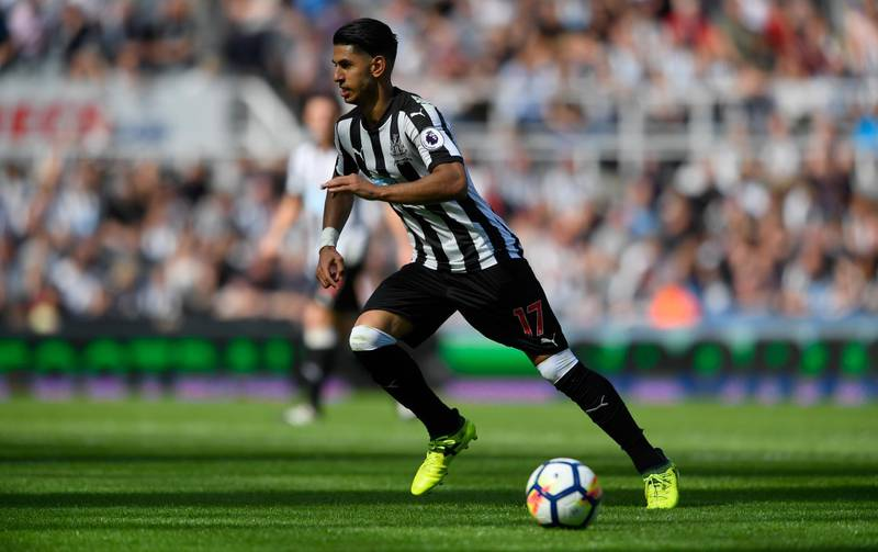NEWCASTLE UPON TYNE, ENGLAND - AUGUST 13:  Newcastle player Ayoze Perez in action during the Premier League match between Newcastle United and Tottenham Hotspur at St. James Park on August 13, 2017 in Newcastle upon Tyne, England.  (Photo by Stu Forster/Getty Images)