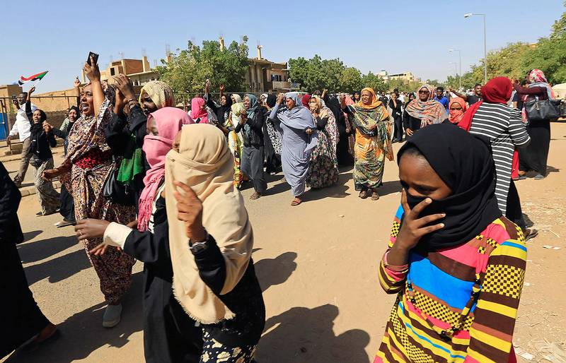 Sudanese women chant slogans near the home of a demonstrator who died of a gunshot wound sustained during anti-government protests in Khartoum, Sudan January 18, 2019. REUTERS/Mohamed Nureldin Abdallah