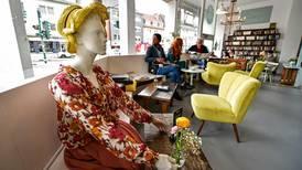 Coronavirus: Germans cautious dining out despite lockdown easing