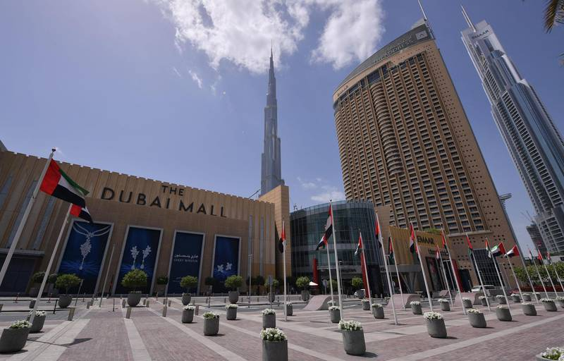 A picture shows the closed compound of the Dubai Mall amid the COVID-19 coronavirus pandemic on March 23, 2020 in the United Arab Emirates. (Photo by Giuseppe CACACE / AFP)