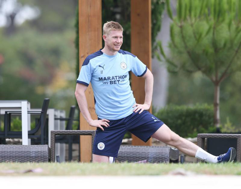LISBON, PORTUGAL - AUGUST 11: Kevin de Bruyne of Manchester City takes part in a stretching session in the build up to the UEFA Champions League Quarter Final match at the team hotel on August 11, 2020 in Lisbon, Portugal. (Photo by Victoria Haydn/Manchester City FC via Getty Images)