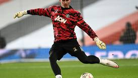 Dean Henderson out of Manchester United training camp after contracting Covid-19