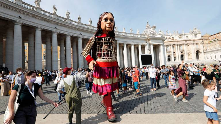 An image that illustrates this article In pictures: 'Little Amal' refugee puppet visits Vatican