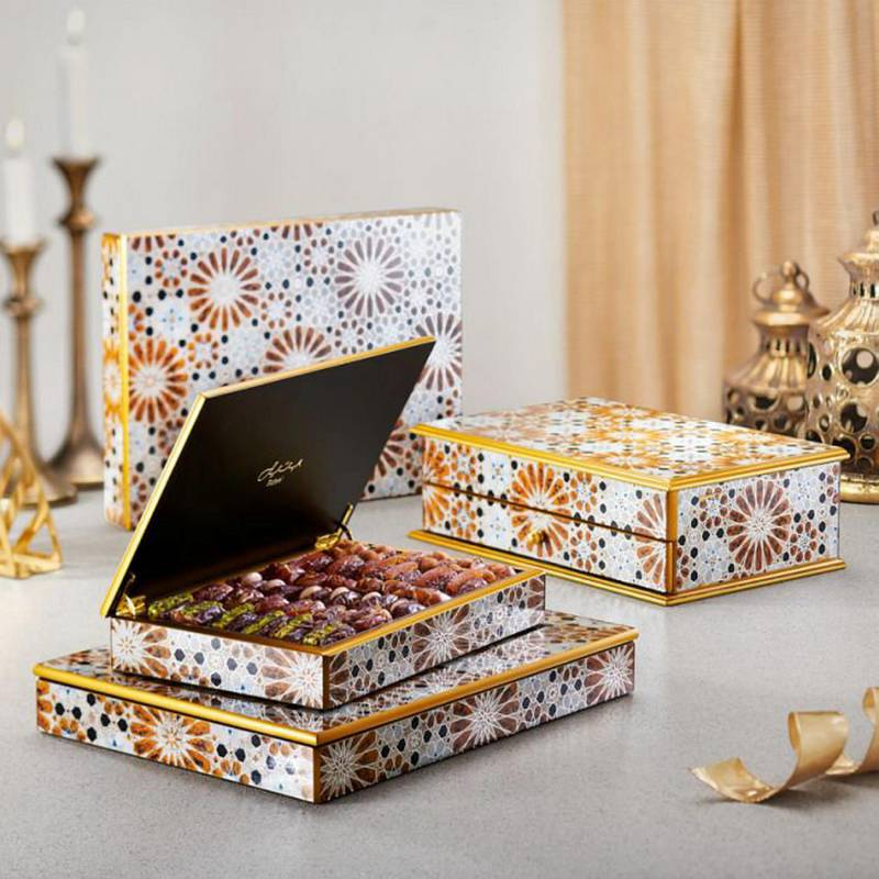 Date gift selection in hand crafted wooden box, Dh815, Bateel