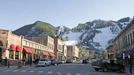 Mountain due in the American ski resort Aspen