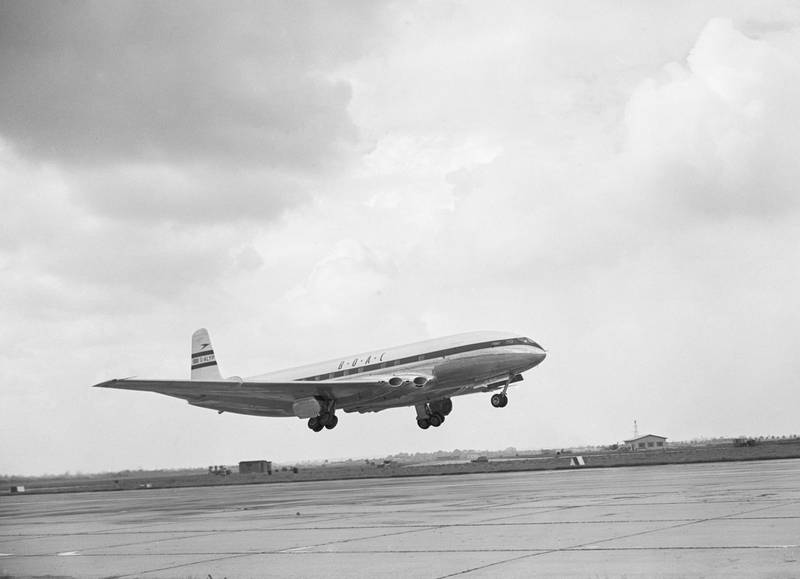British Overseas Airways Corporation de Havilland DH-106 Comet 1 four engined pressurised passenger jet airliner registration G-ALYP taking off from London Heathrow airport on the world's first commercial jetliner flight with fare-paying passengers to Johannesburg, South Africa on 2nd May 1952 from Hounslow, London, United Kingdom. On 10th January 1954 after suffering an explosive decompression at altitude BOAC Flight 781 Comet G-ALYP crashed into the sea near the Island of  Elba off the Italian coast, killing all 35 people on board. (Photo by Central Press/Hulton Archive/Getty Images).