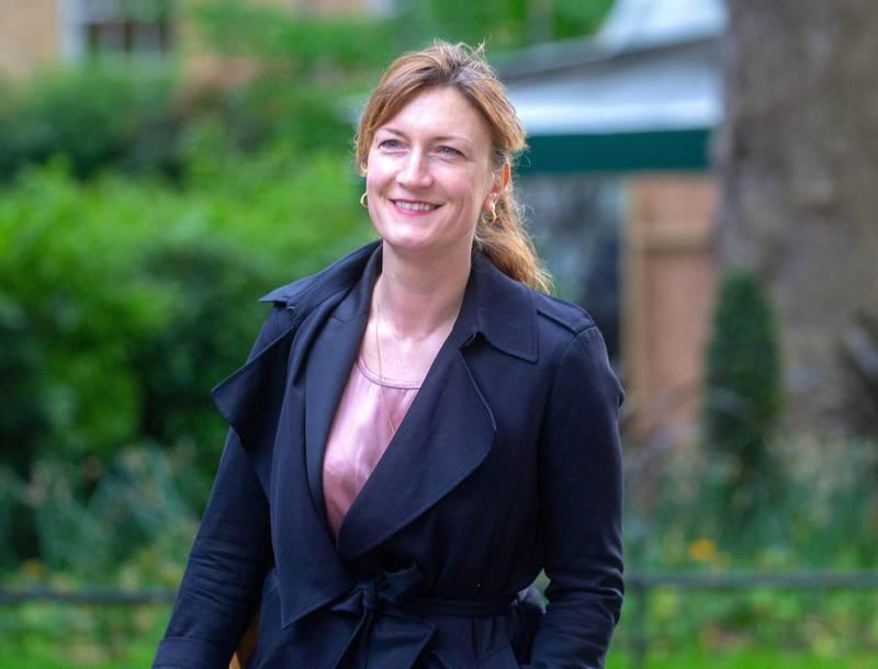 2BKP85N London, UK. 5th May, 2020. Allegra Stratton, Rishi Sunak's Head of Communications, arrives in Downing Street. Credit: Mark Thomas/Alamy Live News