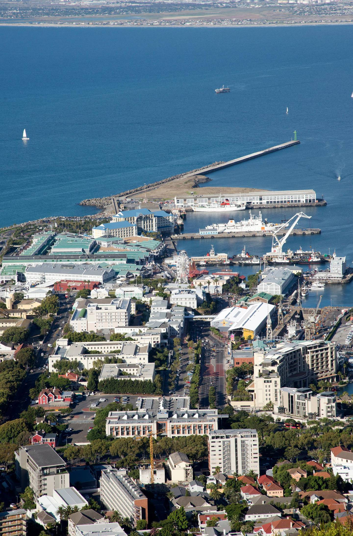 Cape Town Waterfront harbor and Table Bay South Africa. (Photo by: Education Images/UIG via Getty Images)