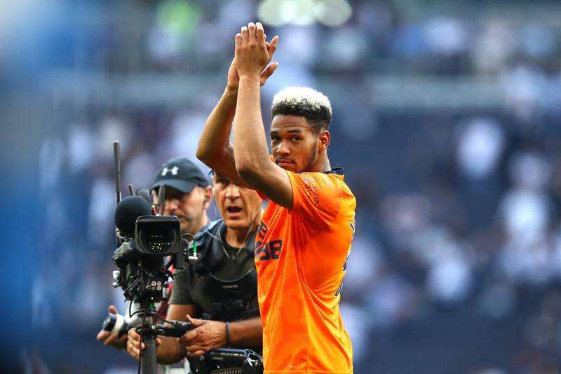 LONDON, ENGLAND - AUGUST 25: Joelinton of Newcastle United applauds fans after his sides victory in the Premier League match between Tottenham Hotspur and Newcastle United at Tottenham Hotspur Stadium on August 25, 2019 in London, United Kingdom. (Photo by Julian Finney/Getty Images)