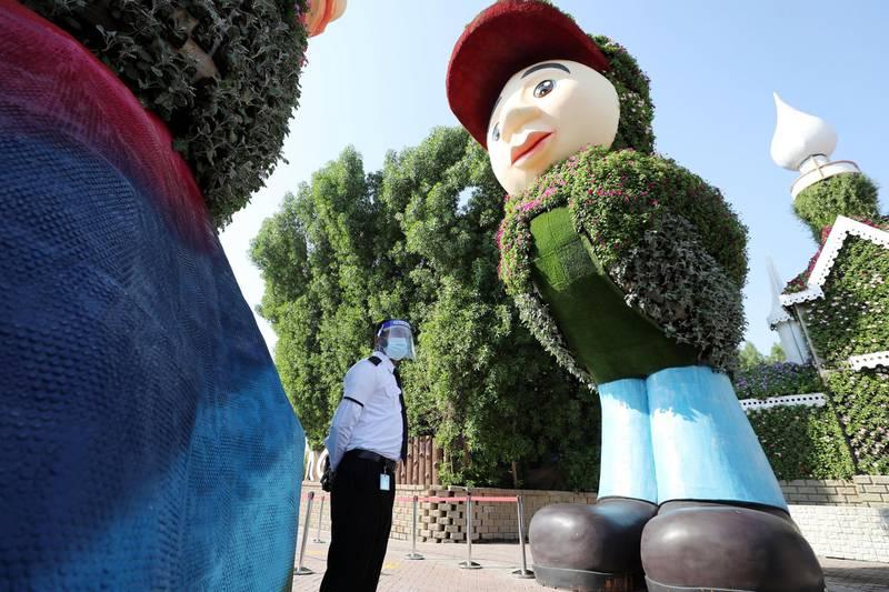 Dubai, United Arab Emirates - Reporter: N/A. Lifestyle. Opening of the new season at the Dubai Miracle Garden. Sunday, November 1st, 2020. Dubai. Chris Whiteoak / The National