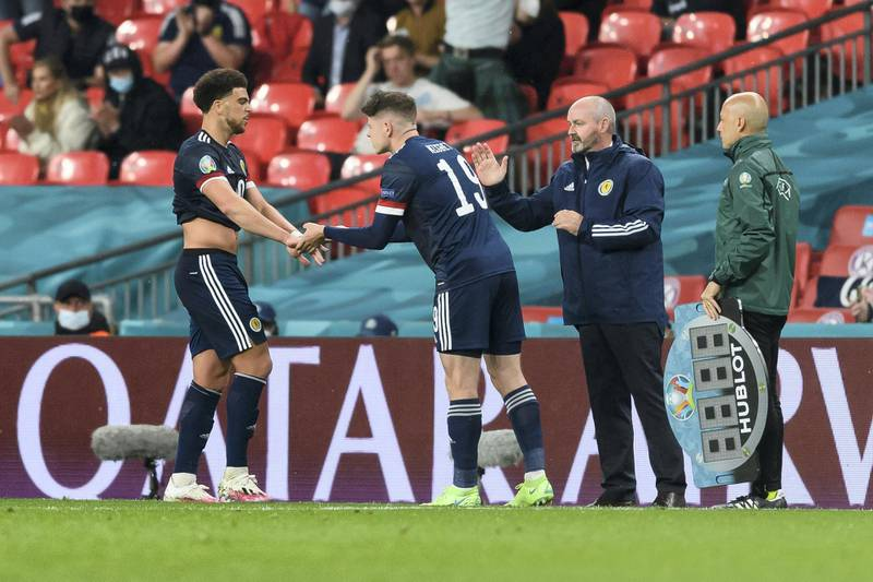 LONDON, ENGLAND - JUNE 18: (BILD ZEITUNG OUT) Che Adams of Scotland and Kevin Nisbet of Scotland substitutes during the UEFA Euro 2020 Championship Group D match between England and Scotland at Wembley Stadium on June 18, 2021 in London, United Kingdom. (Photo by Vincent Mignott/DeFodi Images via Getty Images)