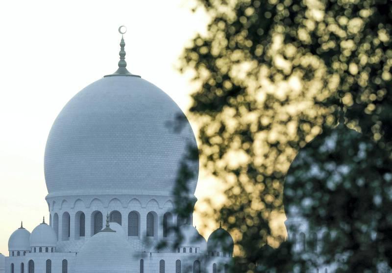 Abu Dhabi, United Arab Emirates, May 5, 2019.  Sheikh Zayed Grand Mosque. ---Sunrise images / artistic.Victor Besa/The NationalSection:  NAReporter: