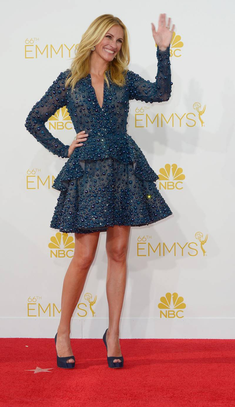 epa04368573 Julia Roberts arrives for the 66th annual Primetime Emmy Awards held at the Nokia Theatre in Los Angeles, California, USA, 25 August 2014. The Primetime Emmy Awards celebrate excellence in national primetime television programming.  EPA/PAUL BUCK