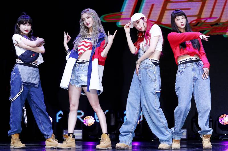 epa06641363 South Korean girl group EXID poses during a showcase for its new single 'LADY' at a concert hall in Seoul, South Korea, 02 April 2018.  EPA/YONHAP SOUTH KOREA OUT