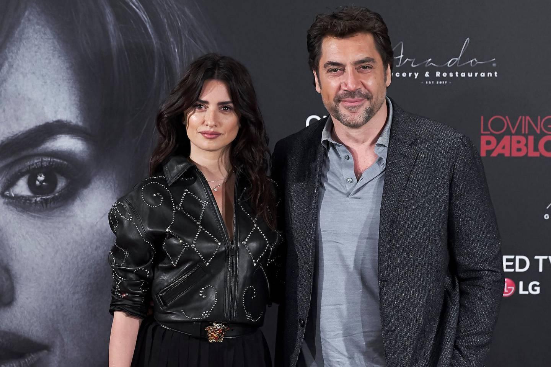 MADRID, SPAIN - MARCH 06:  Penelope Cruz and Javier Bardem attend 'Loving Pablo' photocall at Melia Serrano Hotel  on March 6, 2018 in Madrid, Spain.  (Photo by Carlos Alvarez/Getty Images)