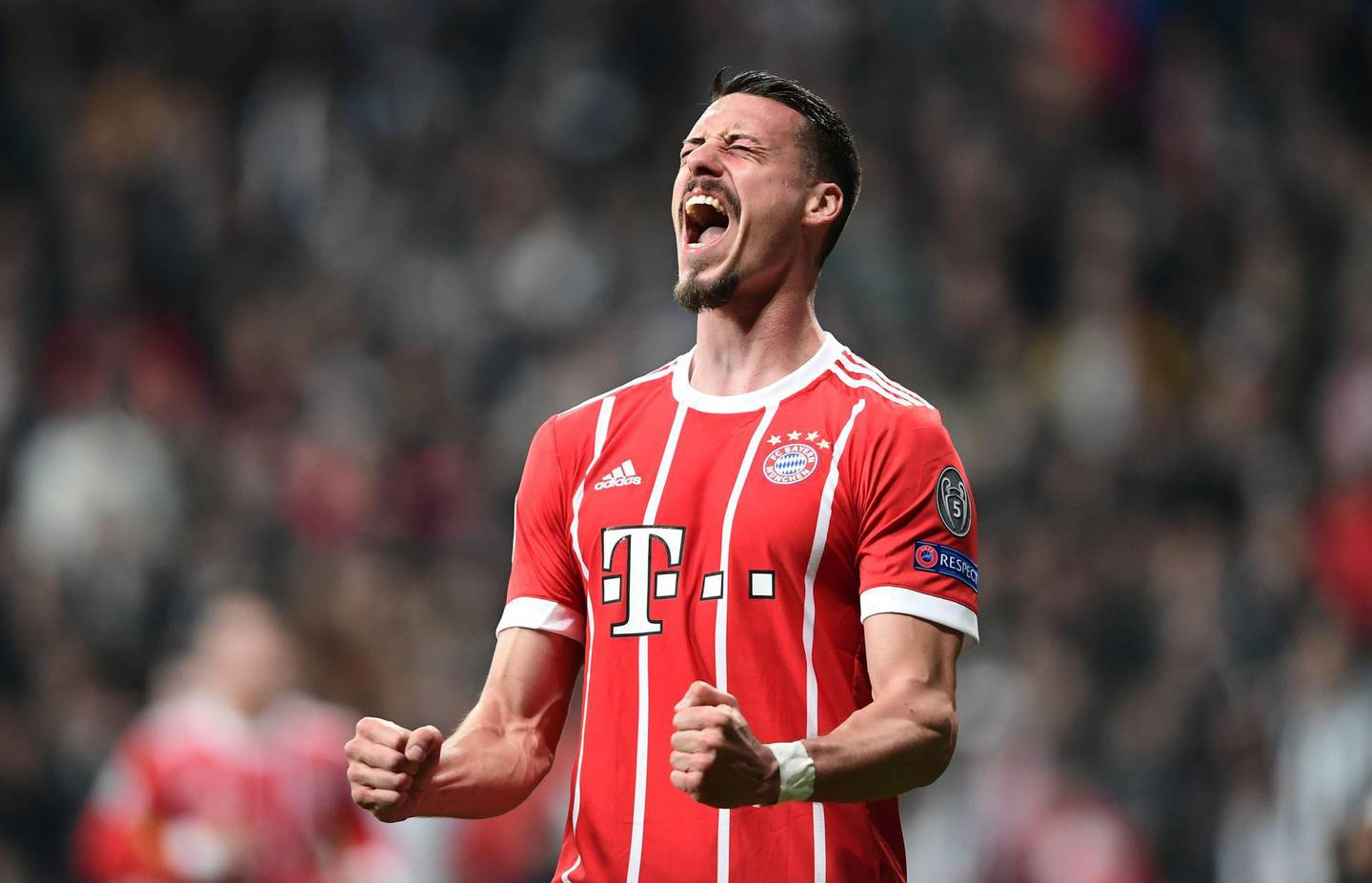 TOPSHOT - Bayern Munich's forward Sandro Wagner celebrates after scoring during the second leg of the last 16 UEFA Champions League football match between Besiktas and Bayern Munich at Besiktas Park in Istanbul on March 14, 2018.  / AFP PHOTO / OZAN KOSE