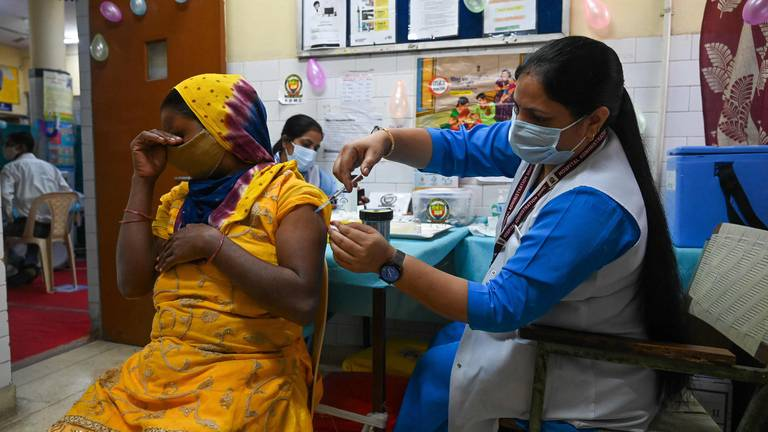 An image that illustrates this article India administers billionth Covid-19 vaccine dose - in pictures