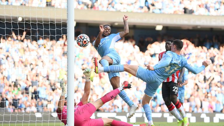 An image that illustrates this article Man City held by Southampton as Odegaard leads Arsenal to victory