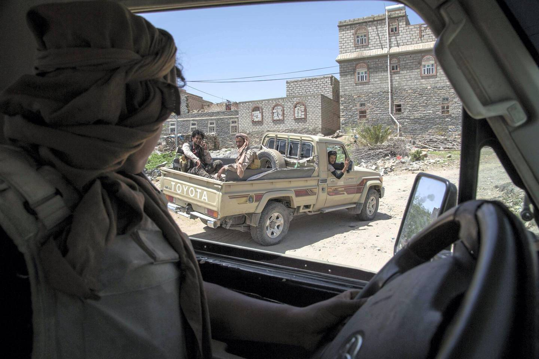 Members of Yemeni resistance forces of Abu Jabr brigade in Zi Naem town of Al-Bayda governorate,  May 10, 2018.  Photo/ Asmaa Waguih