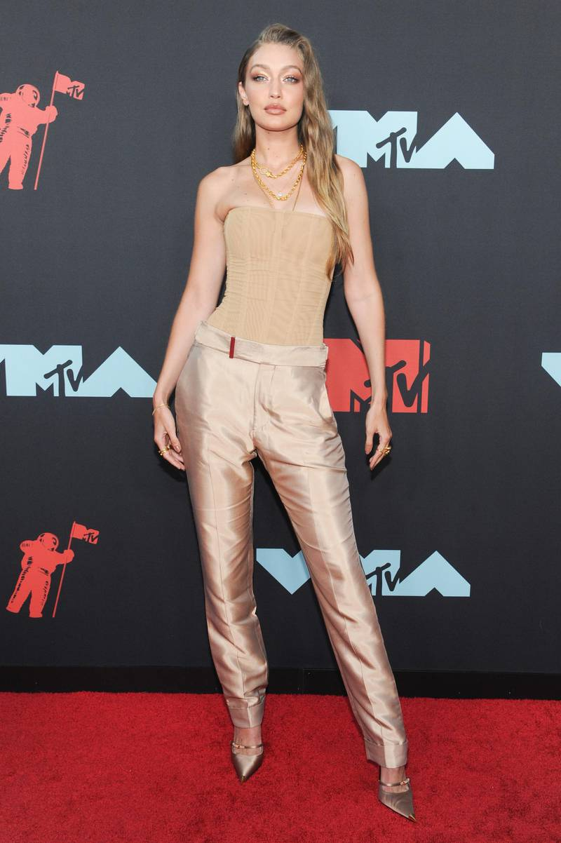 epa07796514 US model Gigi Hadid arrives on the red carpet for the 2019 MTV Video Music Awards at Prudential Center in Newark, New Jersey, USA, 26 August 2019.  EPA-EFE/DJ JOHNSON