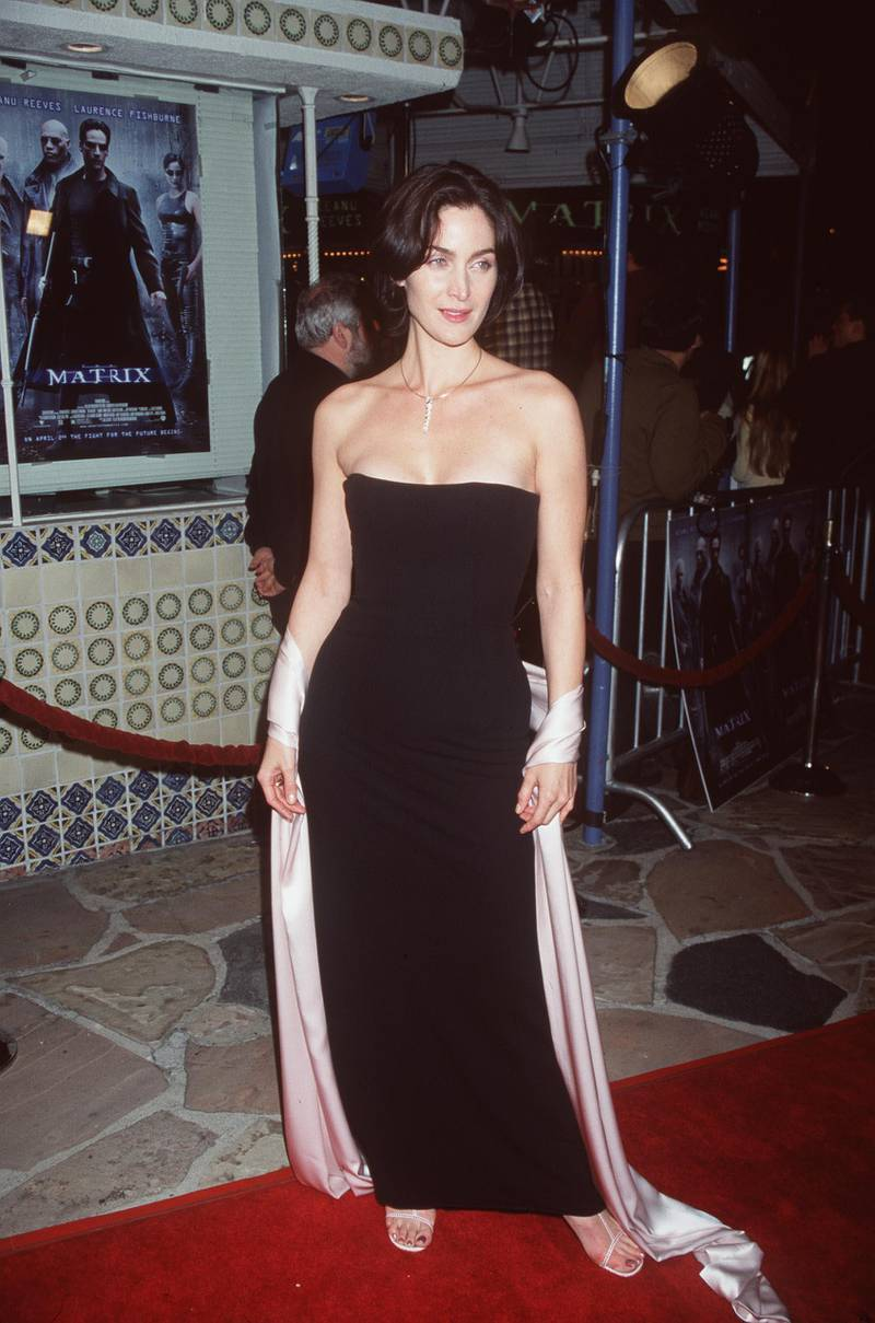 """378298 01: 03/24/99. Westwood, CA. Carrie Anne Moss arrives at the world premiere showing of the new film """"The Matrix"""" at the Mann's Village Theatre. Photo Brenda Chase/Online USA, Inc. / Getty Images"""