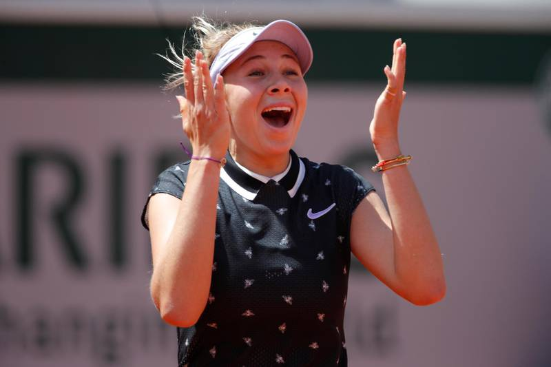 Tennis - French Open - Roland Garros, Paris, France - June 6, 2019. Amanda Anisimova of the U.S. celebrates after her quarterfinal match against Romania's Simona Halep. REUTERS/Charles Platiau