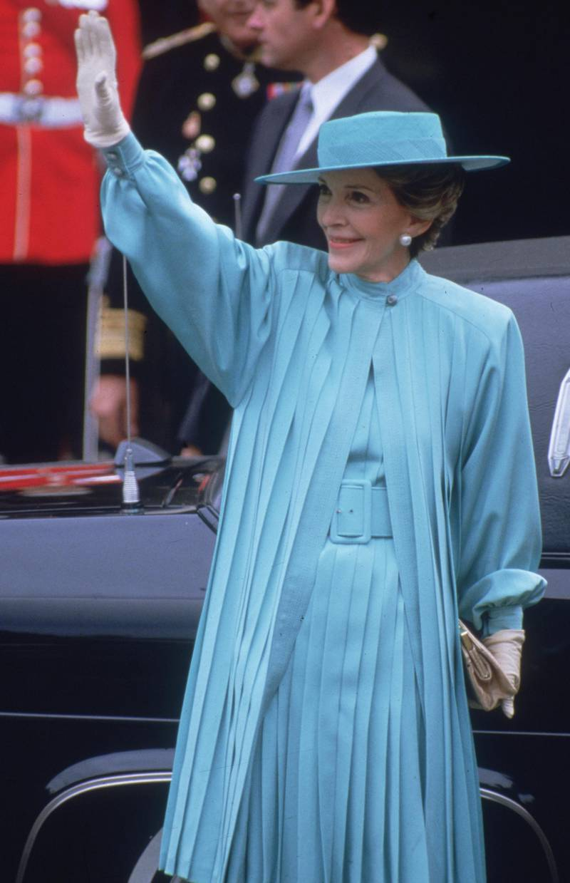 23rd July 1986:  Nancy Reagan, the wife of US president Ronald Reagan, arrives at Westminster Abbey in London to attend the wedding of the Duke of Duchess of York.  (Photo by Hulton Archive/Getty Images)