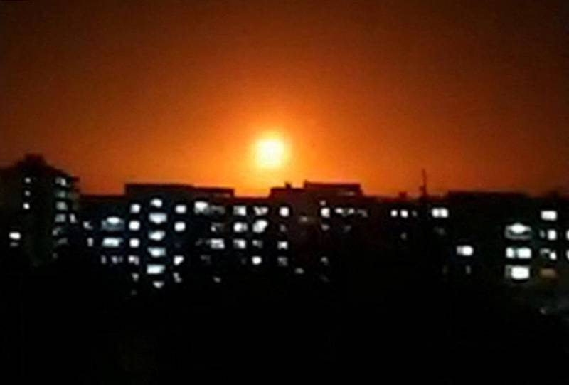 """This image grab taken from a video released by the official Syrian Arab News Agency (SANA) on February 6, 2020, shows an explosion following an Israeli air strike on an undisclosed location in Syria. - Israeli air strikes killed 12 pro-Iran fighters in Syria, a monitor said, the latest in a spate of raids Israel has said targeted Iranian ambitions to develop a military presence on its doorstep. A Syrian army source quoted by state news agency SANA said air defences responded to two waves of Israeli strikes after midnight that targeted the Damascus area and then positions in Daraa and the adjacent province of Quneitra. (Photo by - / SANA / AFP) / == RESTRICTED TO EDITORIAL USE - MANDATORY CREDIT """"AFP PHOTO / HO / SANA"""" - NO MARKETING NO ADVERTISING CAMPAIGNS - DISTRIBUTED AS A SERVICE TO CLIENTS =="""