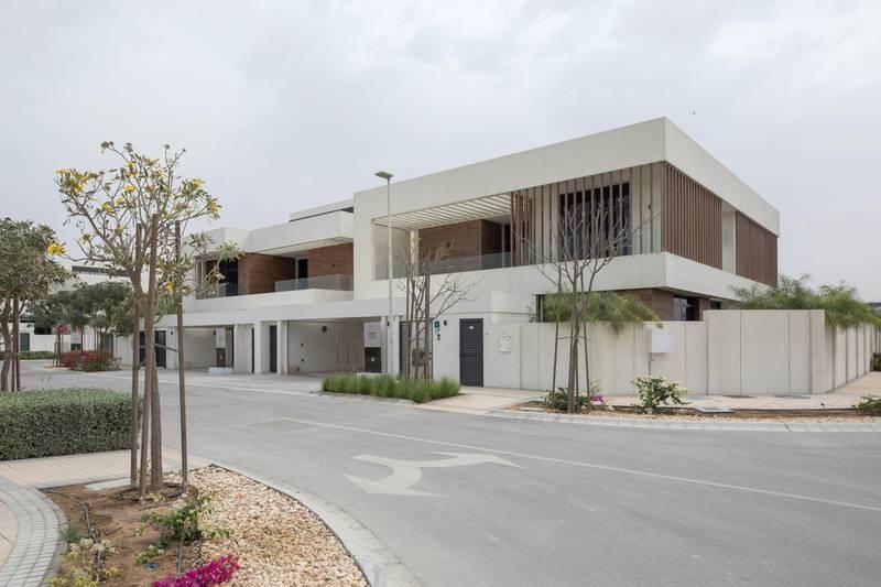 YAS ISLAND, ABU DHABI, UNITED ARAB EMIRATES -March 01, 2018: The West Yas development.  ( Hamad Al Mansouri for Crown Prince Court - Abu Dhabi )  ---
