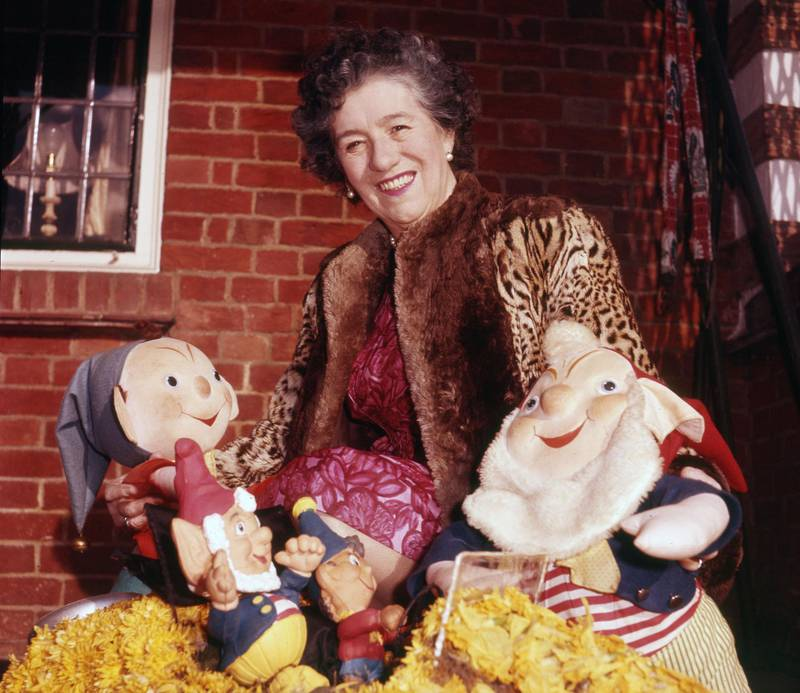 BM3B7Y ENID BLYTON - English childrens' writer (1897-1968) at her Green Hedges home in Beaconsfield in 1962