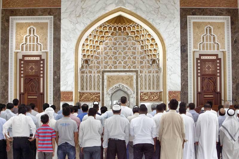 Dubai, United Arab Emirates, Jun 29, 2014 -  Duhr prayer at Masjid Musabah Bin Rashid Al Fattan Mosque during the First day of Ramadan. ( Jaime Puebla / The National Newspaper )