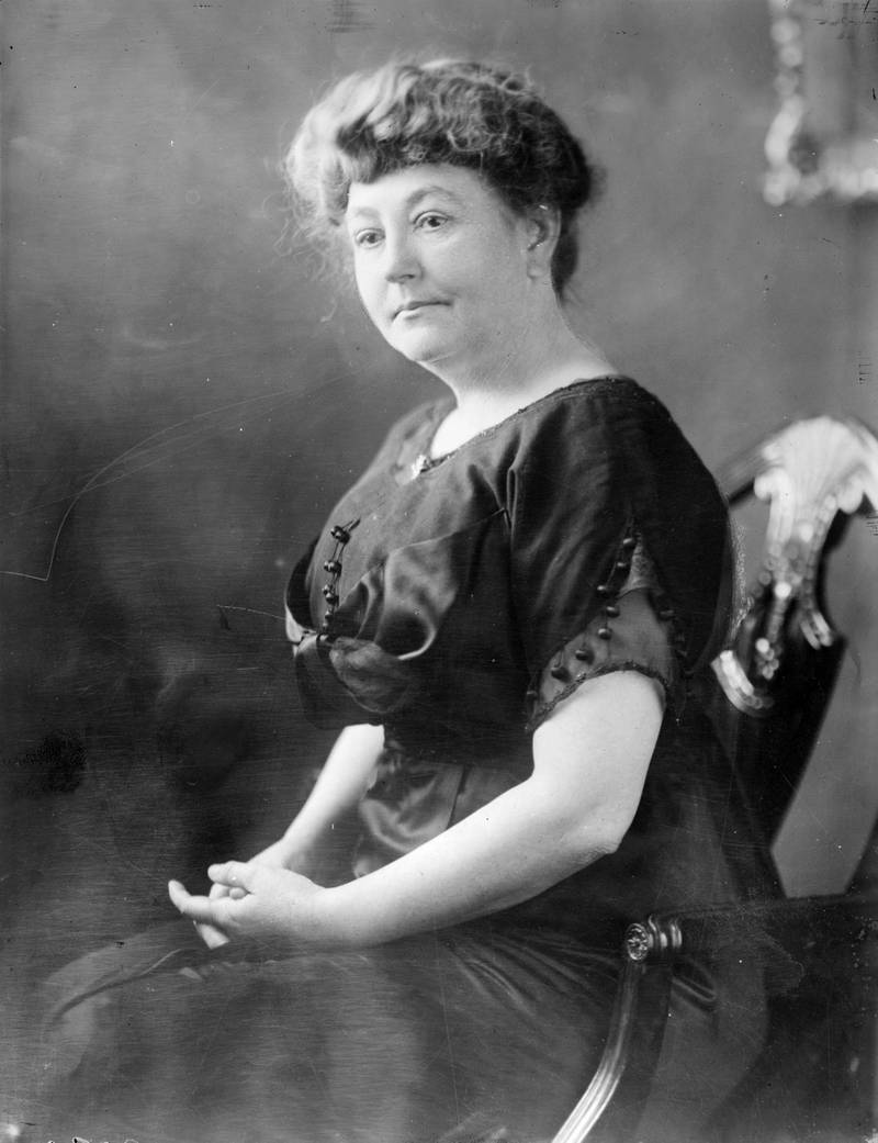 circa 1912:  Mrs Ellen Wilson (nee Axson, 1860 - 1914), the first wife of the 28th American President Woodrow Wilson.  (Photo by Topical Press Agency/Getty Images)