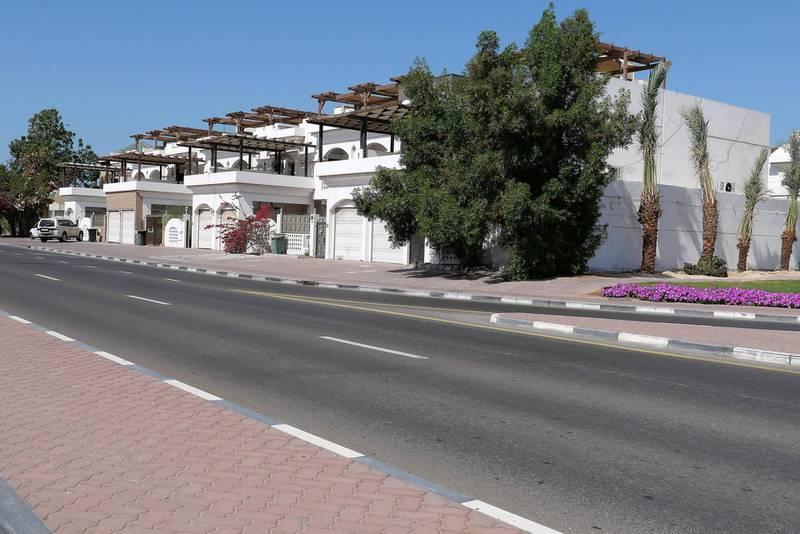 DUBAI, UNITED ARAB EMIRATES , Feb 08 – Villas in Umm Suqeim area in Dubai. (Pawan Singh / The National) For News/Stock/Online/Instagram. Story by Georgia
