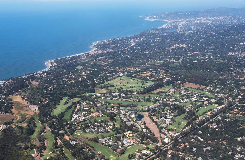 P3YX4G aerial view of small town of Montecito near Santa Barbara, California, USA. Alamy