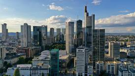German funds call on EU to force ratings agencies to open up on fees