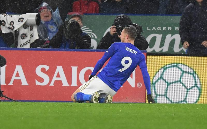 epa07984631 Leicester City's Jamie Vardy celebrates scoring a goal during the English Premier League soccer match between Leicester City v Arsenal at the King Power stadium in Leicester, Britain, 09 November 2019.  EPA/FACUNDO ARRIZABALAGA EDITORIAL USE ONLY. No use with unauthorized audio, video, data, fixture lists, club/league logos or 'live' services. Online in-match use limited to 120 images, no video emulation. No use in betting, games or single club/league/player publications