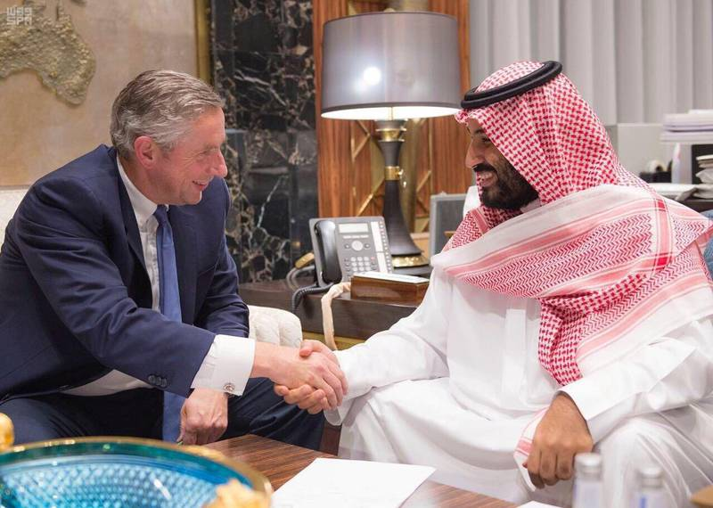 Saudi Crown Prince Mohammed bin Salman shakes hands with Klaus Kleinfeld after Kleinfeld was appointed as NEOM's Chief Executive Officer, in Riyadh, Saudi Arabia October 24, 2017. Saudi Press Agency/Handout via REUTERS ATTENTION EDITORS - THIS PICTURE WAS PROVIDED BY A THIRD PARTY. NO RESALES. NO ARCHIVE.