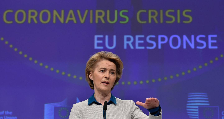epa08363940 The President of European Commission Ursula von der Leyen holds a press conference on the European Union (EU) response to the coronavirus COVID-19 disease crisis at the EU headquarters in Brussels, Belgium, on April 15, 2020.  EPA/JOHN THYS / POOL