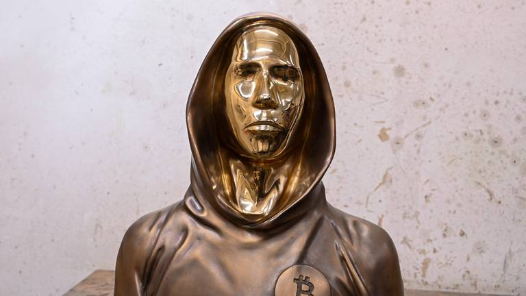 An image that illustrates this article Bronze statue of anonymous Bitcoin founder unveiled in Hungary